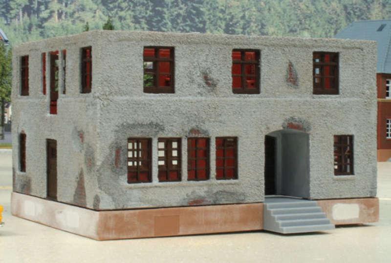 mit geringen aufwand ein individuelles haus aus einem bausatz bauen basteltipp modelleisenbahn. Black Bedroom Furniture Sets. Home Design Ideas